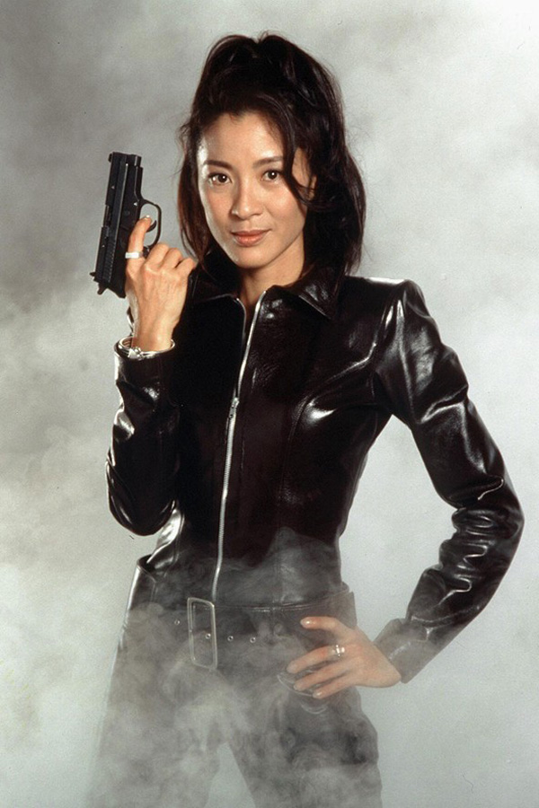 Wai Lin Michelle Yeoh  Club James Bond France-1745